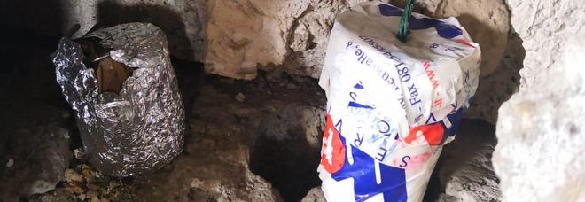Napoli, trovato arsenale nella Torre A/2 di Scampia: gli artificieri fanno brillare due ordigni artigianali