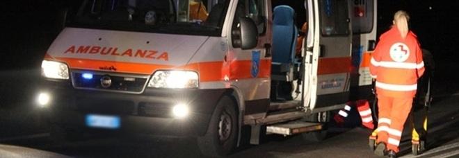 Incidente tra due auto a Milano, muore un 18enne: ferite 5 persone