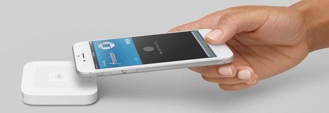 Apple Pay anche con CartaSi, accordo entro la fine dell'anno. Ecco con quali carte si può già usare