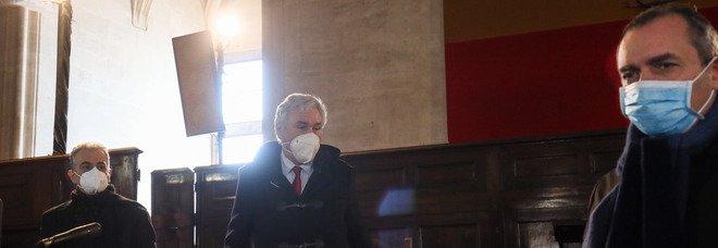 De Magistris e la Calabria: «Resto anche sindaco di Napoli»; è battaglia sulla poltrona di vice