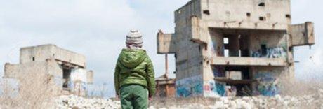 Siria, 30 mila orfani di terroristi Isis: il destino dei bambini fantasma