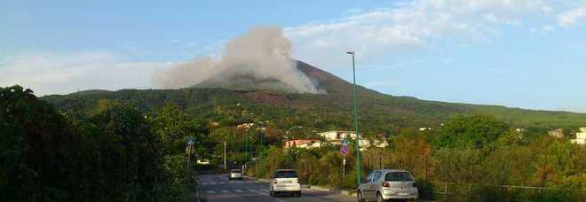 Vesuvio, terzo giorno di fiamme