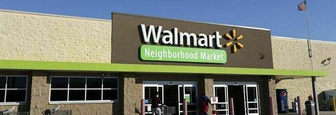 Walmart, i clienti vaccinati potranno togliere la mascherina