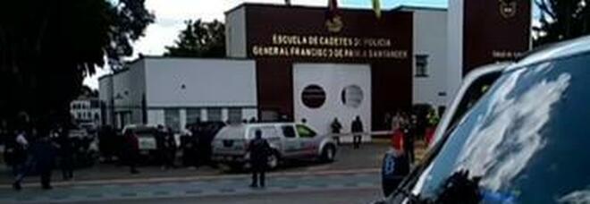 Colombia, ragazza muore suicida dopo il fermo: sospesi 4 agenti. Si indaga su presunto stupro