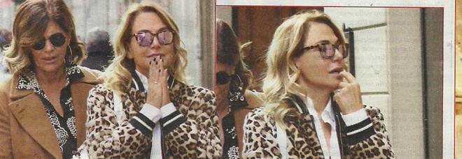 Barbara d'Urso, shopping a Milano con l'amica dopo il successo in prima serata Mediaset