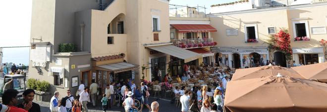 Estate a Capri, boom di turisti aumentano gli stranieri sull\'isola ...