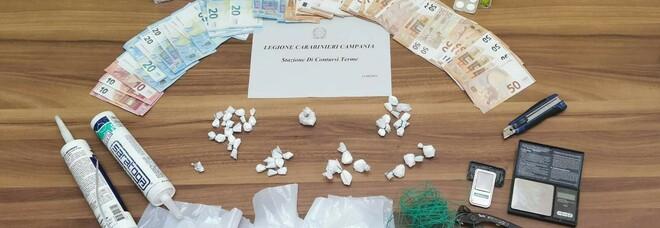 Contursi, arrestato spacciatore: sequestrati 60 grammi di cocaina e denaro