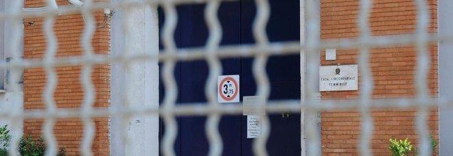 Rebibbia, detenuta lancia i figli nel nido del carcere: uno è morto