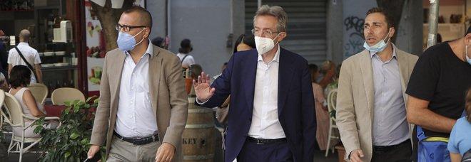 Elezioni a Napoli, Manfredi a Pianura: «Non sarà mai più periferia»