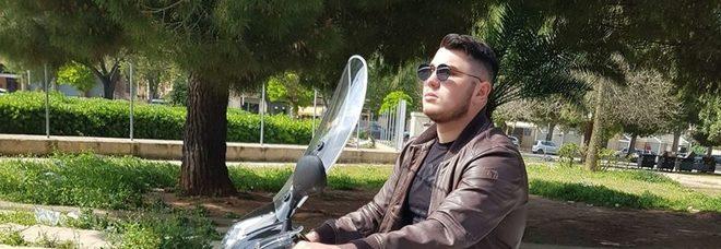 Sparatoria a Palermo, uccisi padre e figlio nel quartiere Zen
