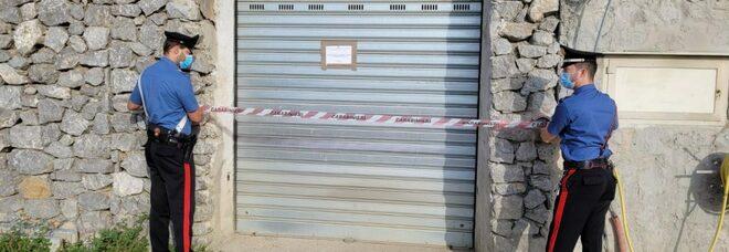 Abusi edilizi in costiera sorrentina con garage e case illegali: cinque denunciati