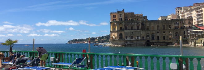 Bagno Elena, Napoli