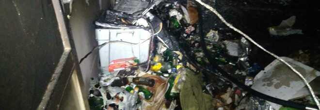Polla, incendio in casa: ferito un uomo viveva in condizioni di estremo degrado