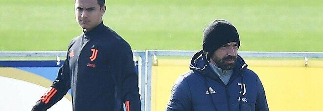 Juventus-Crotone, Pirlo dà l'allarme: «Dybala, il ginocchio non migliora»