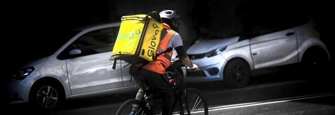Food, crolla anche il delivery: dimezzati gli ordini a casa