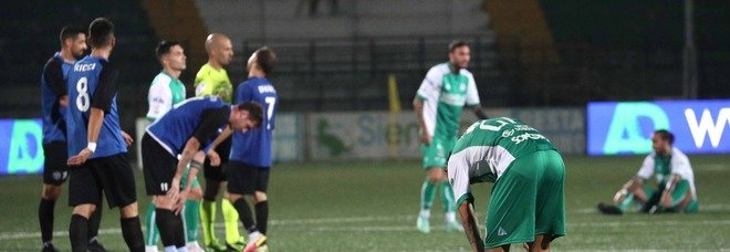 L'Avellino non sa più vincere, con il Latina terzo pari in tre gare