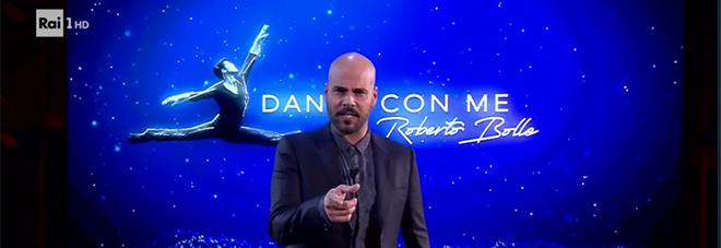 Marco D'Amore in un momento dello spettacolo televisivo «Danza con me»