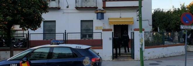 Rapito dalle escort per un debito di 3500 euro, cliente liberato dalla polizia e arrestato subito dopo