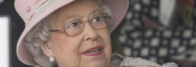 Come festeggia il Natale la Regina Elisabetta? L'ex chef: «Il menu è sempre uguale». E lei ama lavare i piatti