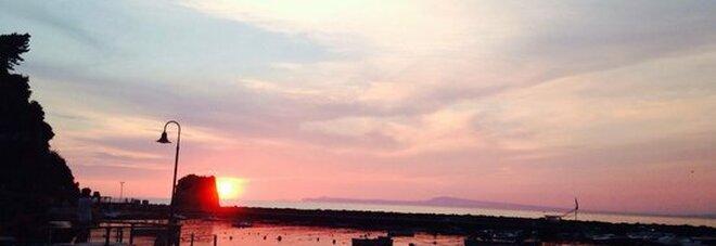 Al via CineMare, sei giorni di film sul lettino in riva al mare di Vico Equense
