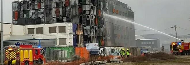 Strasburgo, a fuoco data center tra i più grandi d'Europa: centinaia di server down