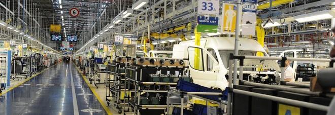Istat, nel 2019 crolla la produzione industriale: record negativo dal 2013