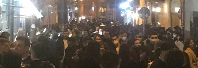 Caos baretti a Napoli, l'ira dei vigili: «Ordinanza inapplicabile»