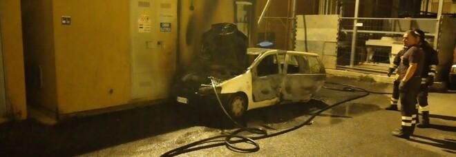 Auto del Comune di Battipaglia incendiata: indagine dei carabinieri