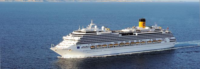 Approda oggi costa fascinosa far 42 scali nel porto for Costa neoriviera piano nave