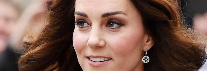 Attività all'aperto e racconti profondi hanno allietato la giornata di Kate Middleton in visita nei luoghi dei sopravvissuti all'Olocausto