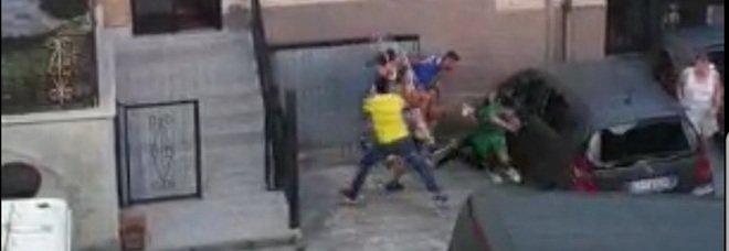 Sezze, ragazzi picchiano un romeno: «Lo hanno fatto per noia». La polizia: troppa omertà