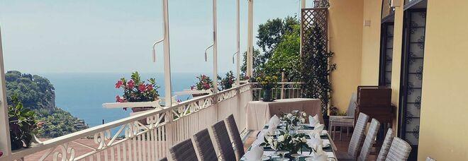 """Costiera Amalfitana, a Scala si festeggia il 60esimo compleanno del ristorante """"Zi 'Ntonio"""""""