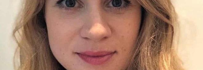 Sarah, destra, scompare nel nulla a 33 anni: arrestato un poliziotto