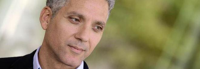 Sindaco Riace ai domiciliari, Beppe Fiorello: «Credo in lui più di prima, arrestateci tutti»