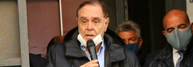 Covid, Mastella: non possiamo pagare i danni di Napoli. E vieta lo «struscio»