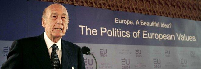 È morto l'ex presidente francese Giscard D'Estaing: aveva 94 anni