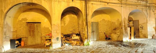 Sequestrata la scuola degli orrori violenze e sequestri - Scuola di cucina santa maria capua vetere ...