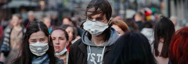 Russia, risalgono i contagi: mai così tanti da marzo. Gli esperti: «Pochi vaccini e misure non rispettate»