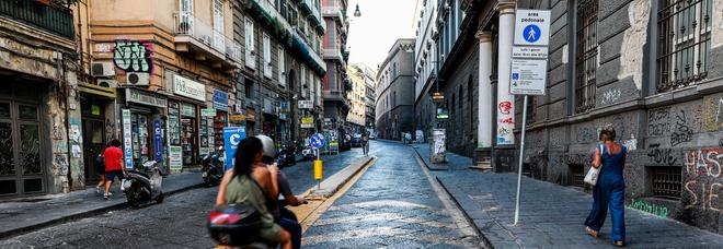 Napoli, la beffa delle multe pazze mai annullate dal sindaco: «Sit-in davanti al Comune»