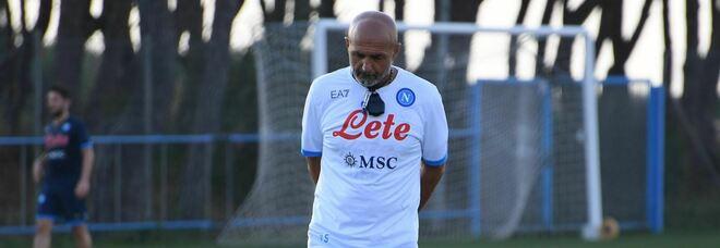Il Napoli è già tornato in campo: Mario Rui si allena con i compagni