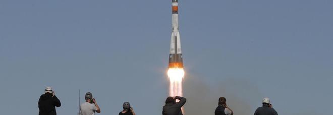 Soyuz, guasto dopo il lancio: atterraggio d'emergenza, piloti salvi