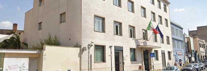 Napoli città fragile, boom di edifici pericolosi: c'è anche la sede della Dia