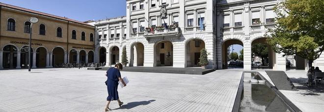 Maxi stipendio all'addetta stampa ex portavoce del Pd: 140 mila euro