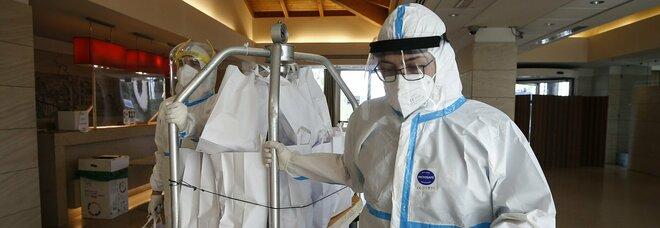 Lazio, 400 fra medici e infermieri no-vax, la Regione: «Pronti a licenziarli»