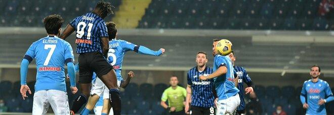 Atalanta-Napoli, la difesa è horror: da Politano assist e sacrificio