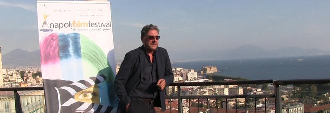 Castellitto chiude il Napoli Film Festival: «Fortunato ad avere in casa una scrittrice di emozioni»