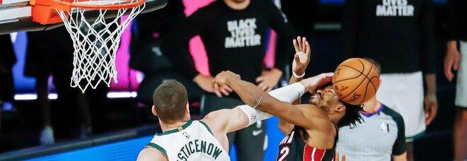 Playoff Nba: Miami elimina i Bucks, super LeBron trascina i Lakers