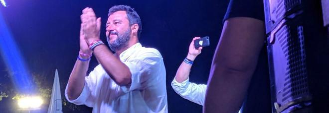 Salvini: «Pronti a ritirare i ministri»