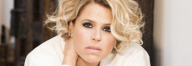 Sanremo 2020, Tosca in gara con Ho amato tutto. «Polemiche su sessismo e Junior Cally? Pensiamo a tette e culi in tv ogni giorno»