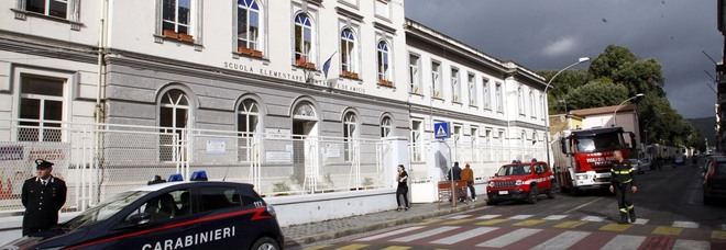 Caserta, il sindaco Marino rischia il processo: «La scuola cade a pezzi, il Comune è inerte»